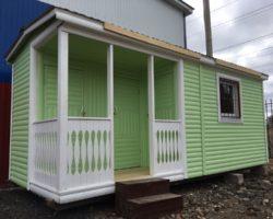 Утепленная бытовка 6х2,3м с верандой 1х2м и помещениями для душа и туалета
